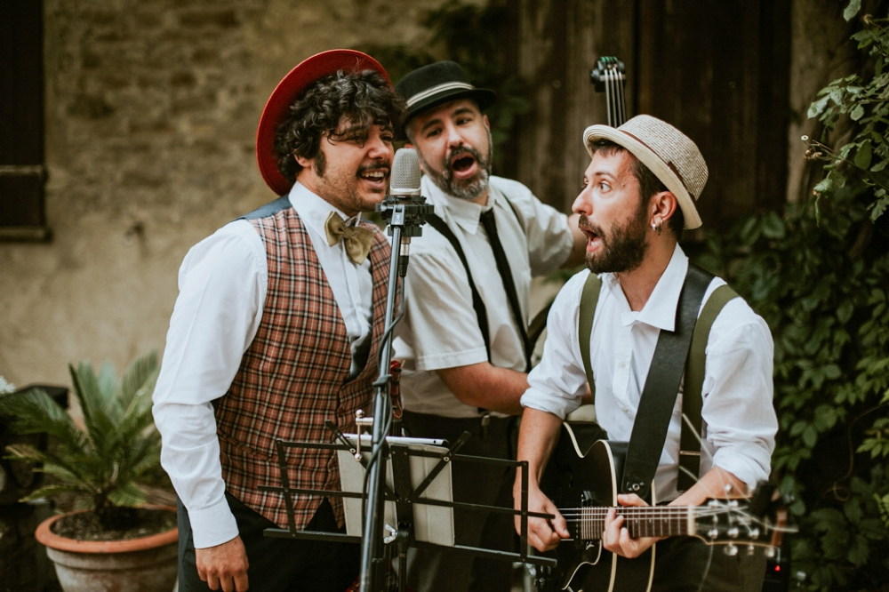 Rustic Foodie Italy wedding -swing band- Laura Bravi Events