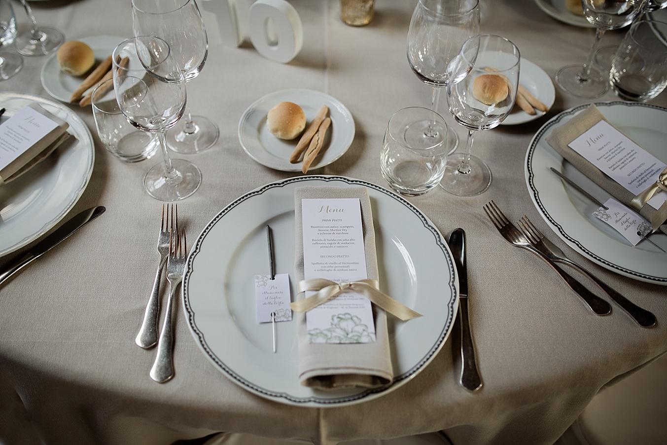 chic elegant wedding Italy place setting decor