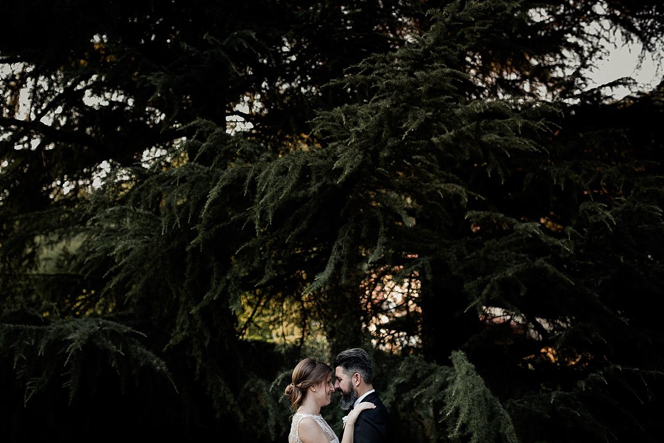 chic elegant wedding Italy couple portraits