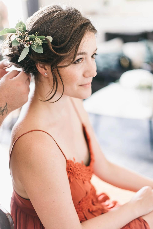 bride getting ready in Bologna