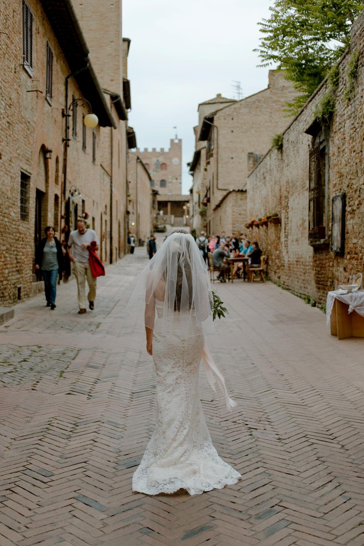 Bride in Certaldo - Romantic Elopement in Tuscany - Laura Bravi Events
