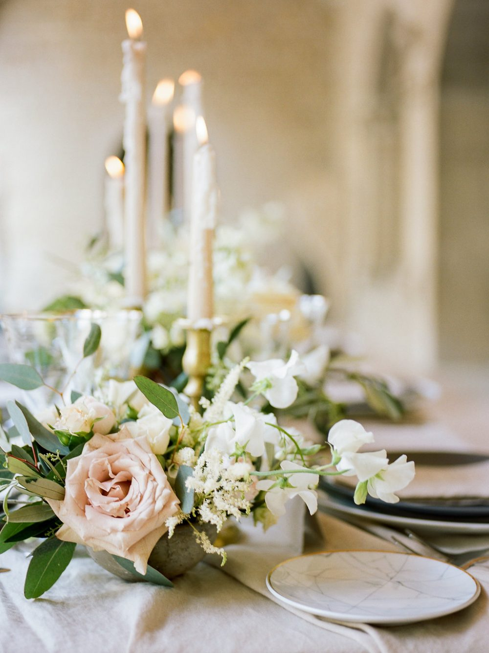 romantic wedding centerpiece tuscany