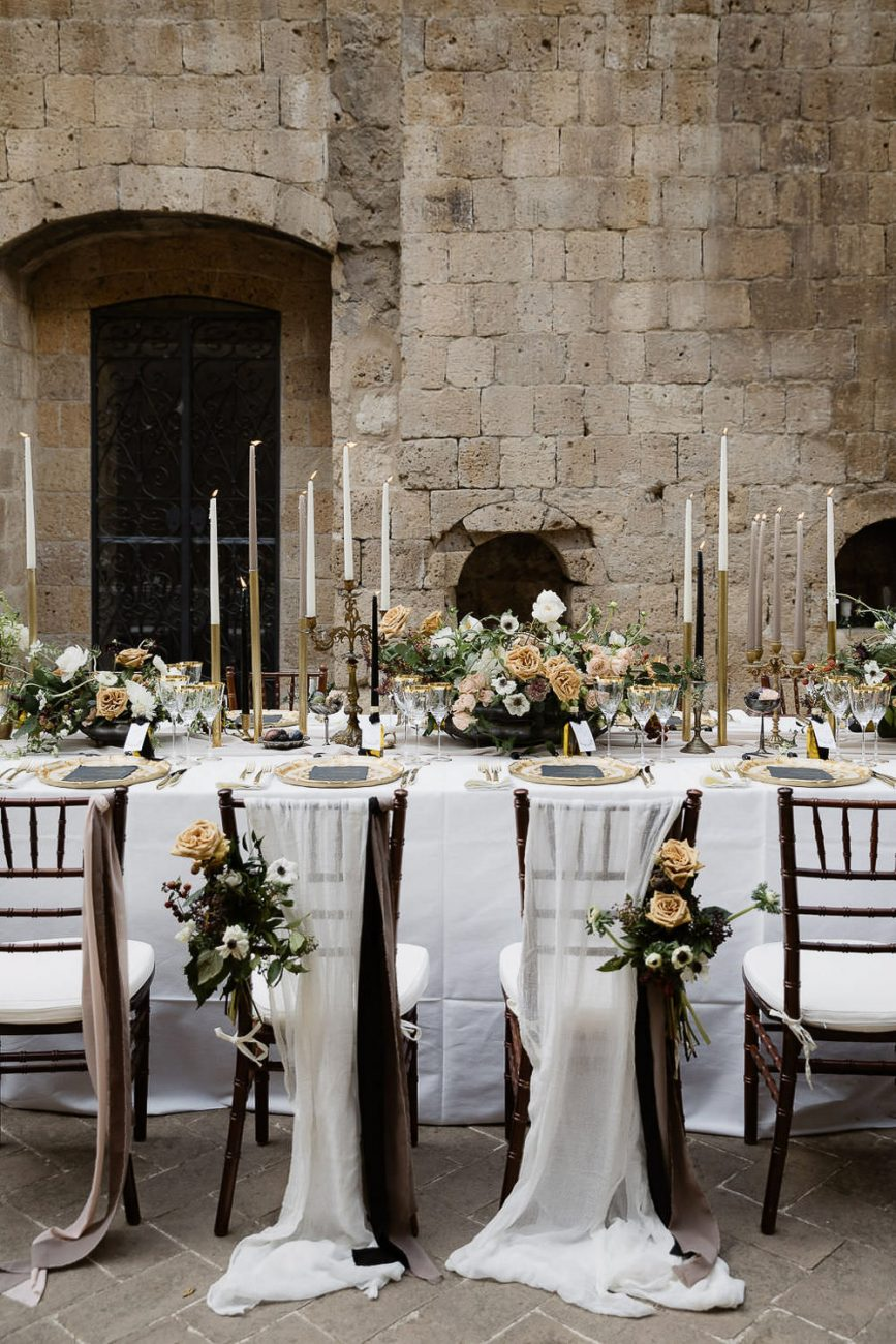 La-Badia-di-Orvieto-Elegant-Wedding-table-setting