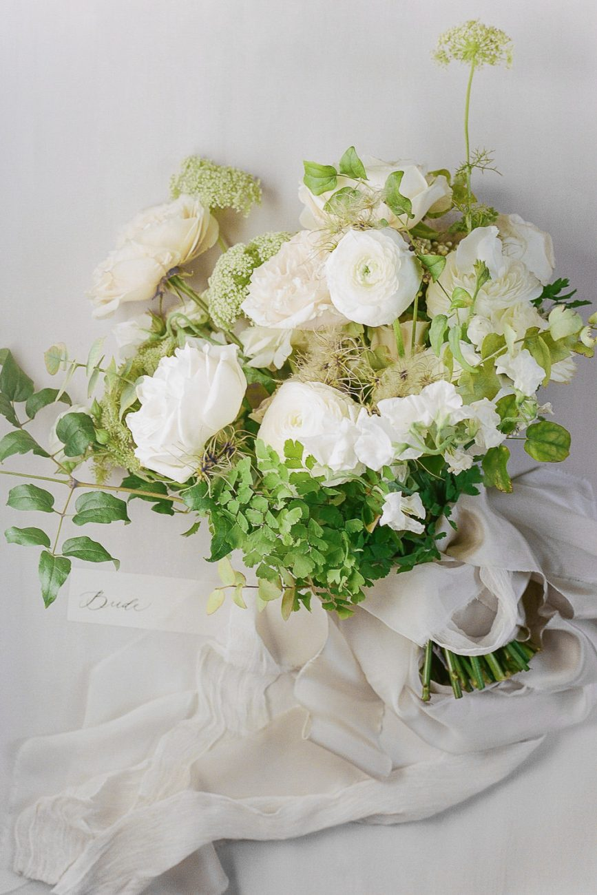 Bridal bouquet cream white green villa Cetinale Molly Carr Photography Laura bravi Events Siloh Floral