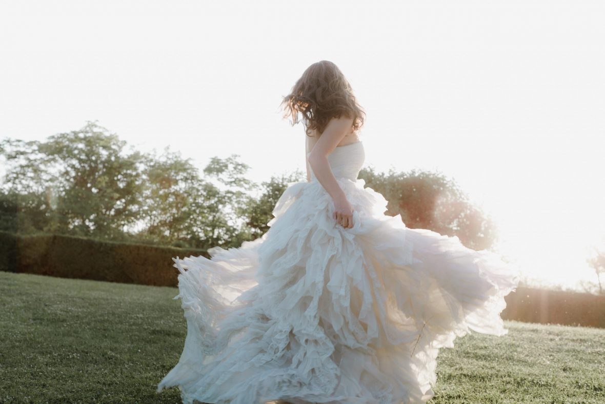 playful bride Monica Leggio Weddings Laura Bravi Events BiancoAntico